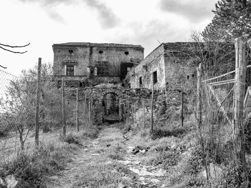 ruins of old farmhouse, Gragnano, Lattari Mount, Naples, Campania, Italy